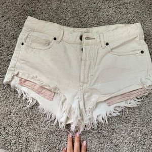 free people white jean shorts with fun pockets